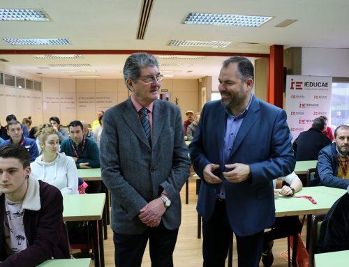 IEDUCAE acoge una conferencia del traumatólogo José Paz Jiménez