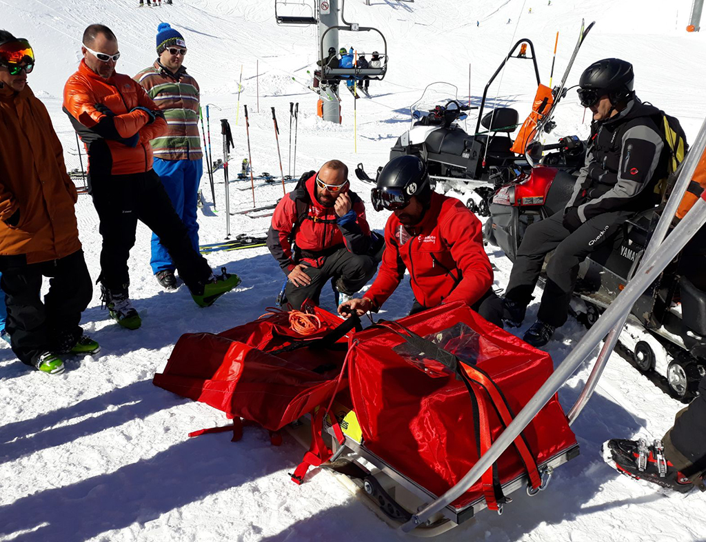 ¿Quieres salvar, socorrer y rescatar en espacios esquiables?