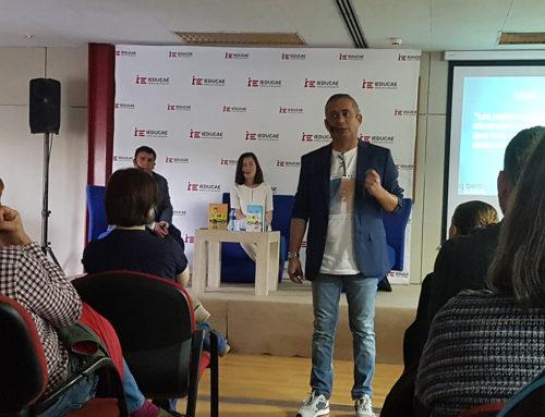 Más de un centenar de personas disfrutan de la charla de Alberto Luque en IEDUCAE